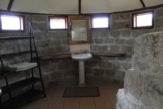 Swara Plains Acacia Camp: Bathroom