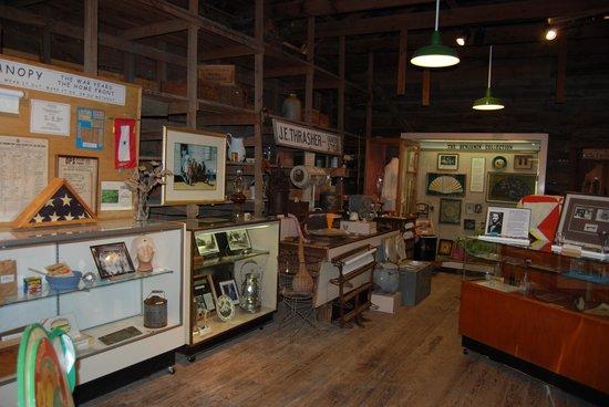 Micanopy Historical Society Museum : interior-1