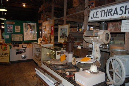 Micanopy Historical Society Museum : interior-4
