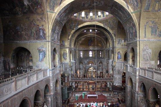 Basílica de San Marcos: Interior