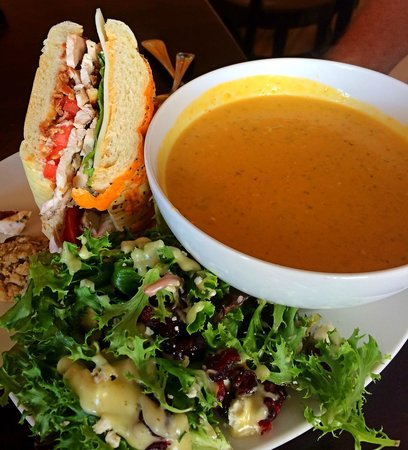 Sup: The club and broccoli cheese soup