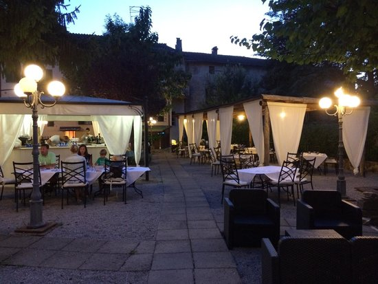 Locanda Amordivino: Outside terrace