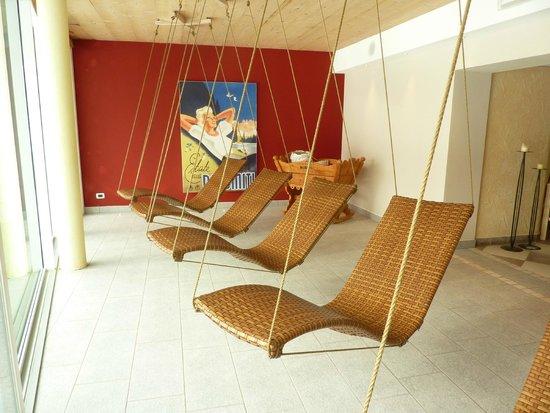 Family Wellness Hotel Renato: sale relax saune con sdraio a dondolo