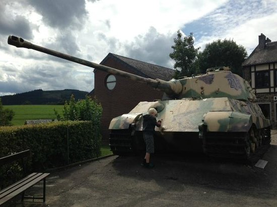 December 44 Historical Museum : king tiger