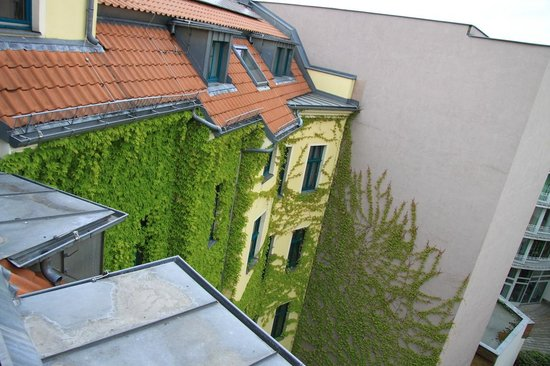 Mikon Eastgate Hotel: Вид с террасы