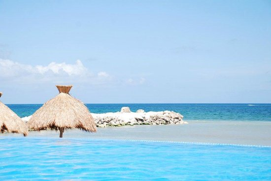 Hotel Marina El Cid Spa & Beach Resort : Beautiful view from infinity pool