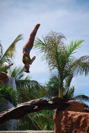 Hotel Marina El Cid Spa & Beach Resort : Kids loved the cliff jump pool