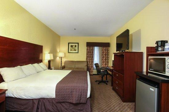 Dawson Village Inn: King Bed Room