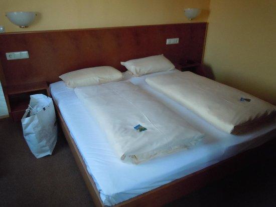 Hotel Löwen: Camera/2
