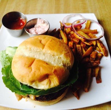 Happy Gnome: Bison Burger