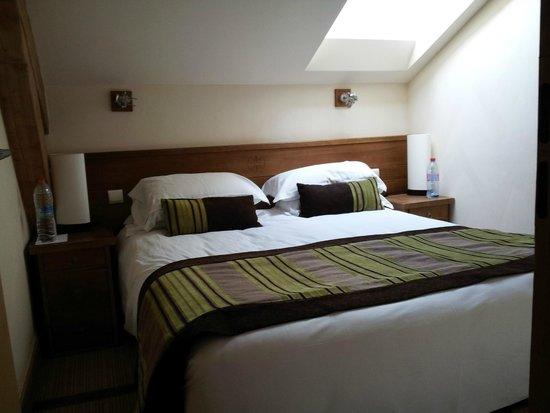 Pierre & Vacances Premium Residence Les Terrasses d'Eos: chambre 1 en sous pente, appartement 525