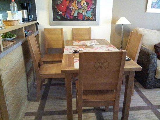 Pierre & Vacances Premium Residence Les Terrasses d'Eos: Salle à manger