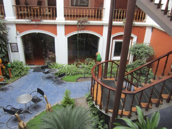 Hotel Patio Andaluz: Lovely Courtyard