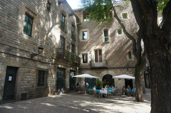 Hotel Neri Relais & Chateaux: l'hôtel vu de la place San Neri
