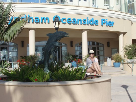 Wyndham Oceanside Pier Resort: Front