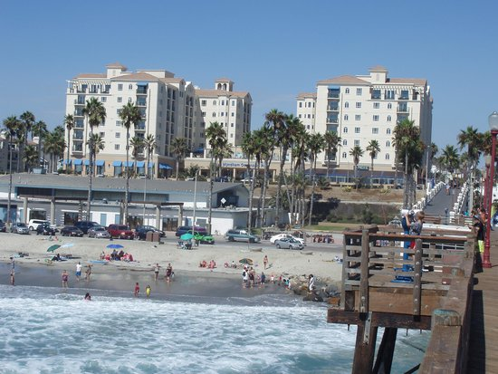 Wyndham Oceanside Pier Resort: Beautiful sight of the hotel from the pier