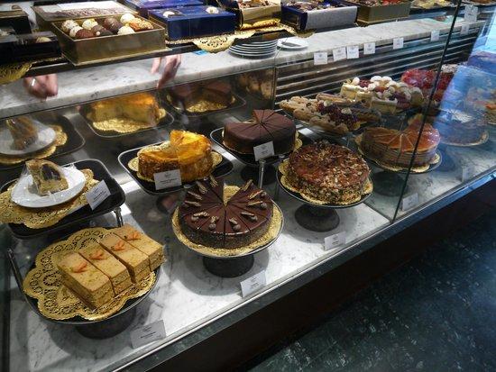 Gerstner K&K Hofzuckerbäckerei: тортики )