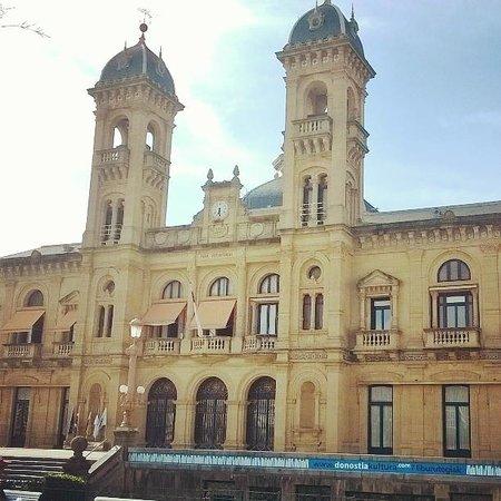 Fachada Ayuntamiento de San Sebastián.