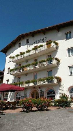 Hotel Rosalpina: Facciata dell'Hotel