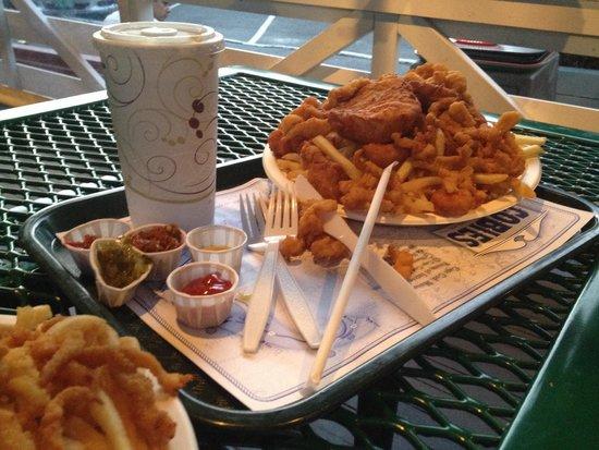 Cobie's: Fried seafood