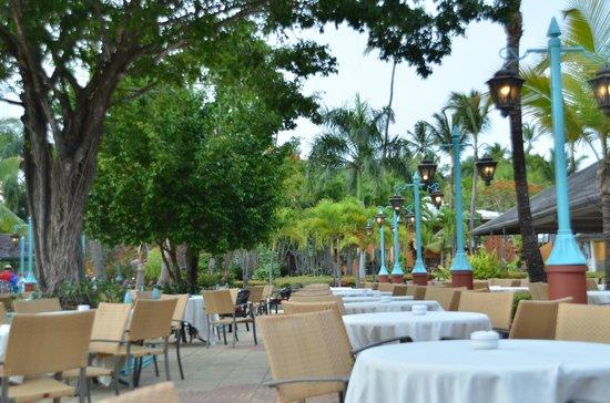 Iberostar Bavaro Suites: Lobby bar terrasse
