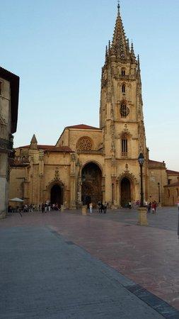 Catedral de San Salvador de Oviedo: Fachada Catedral