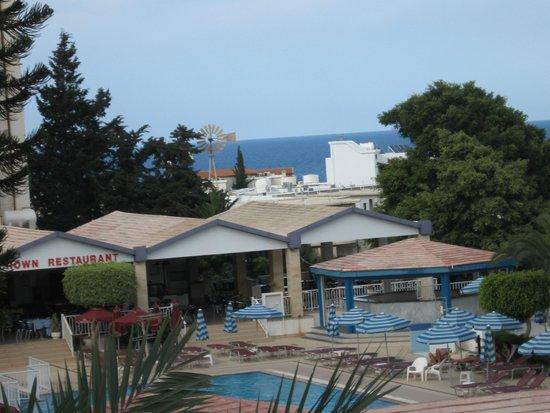 Crown Resorts Elamaris: Территория отеля