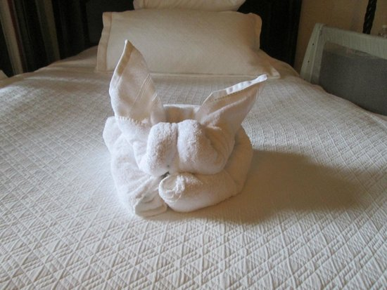 Beaches Negril Resort & Spa: towel art surprise on our bed