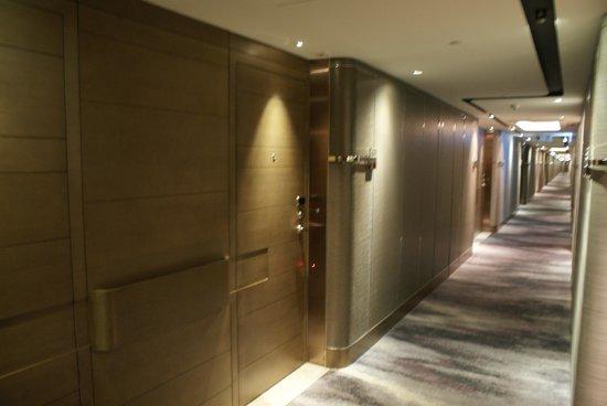 Royal Plaza Hotel: même les couloirs de l'hôtel sont beaux