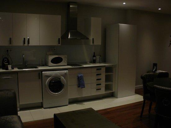 Luxury Suites: Kitchen