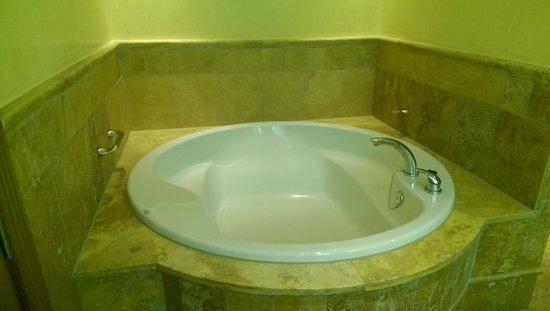 Vincci Hotel Envia Almeria Wellness & Golf: Bañera jacuzzi