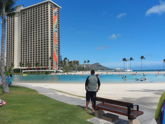Hilton Hawaiian Village Waikiki Beach Resort: Rainbow Tower & Lagoon