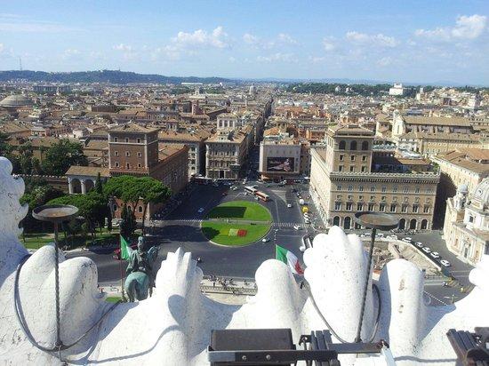 Dalla terrazza panoramica - Foto di Complesso del Vittoriano, Roma ...