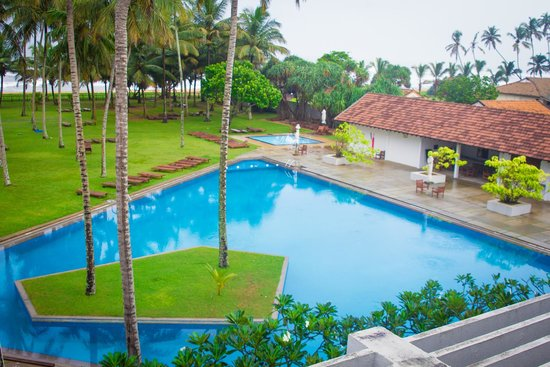 The Blue Water: pool area