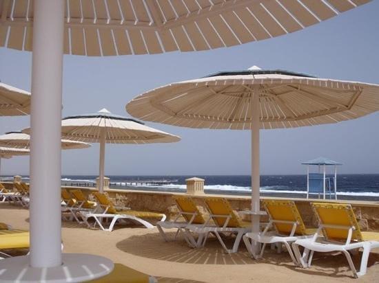 Resta Grand Resort : beach view