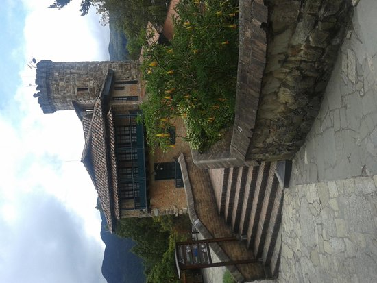 Mount Monserrate: Pequeno castelo em Montesserrate