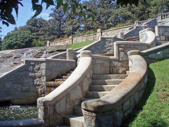 Maymont: Stone staircase