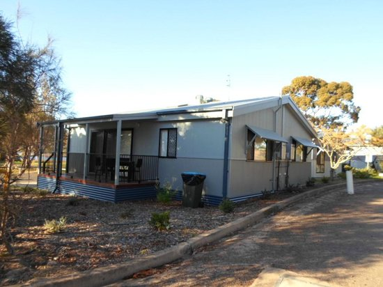 South Coast Holiday Parks Eden: Sandpiper Cabins