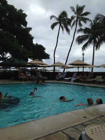 Moana Surfrider, A Westin Resort & Spa: The only pool