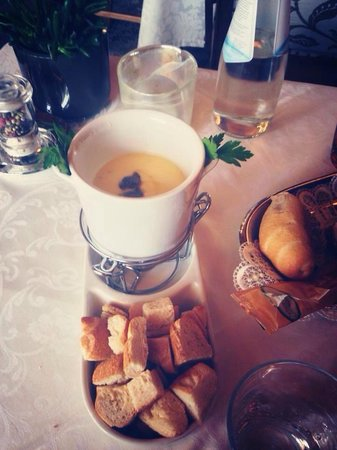 Ristorante - Pizzeria L' Medel: Fonduta al tartufo: libidine per il palato