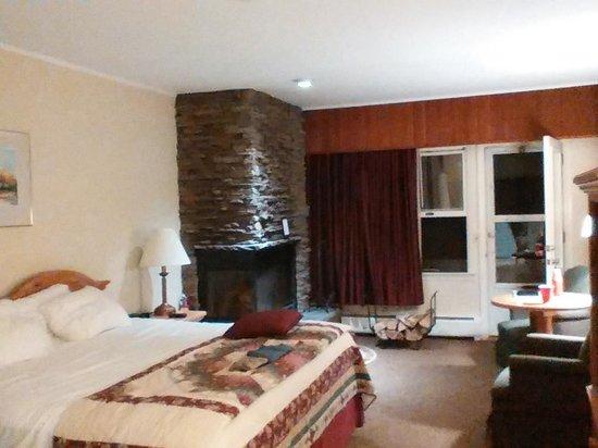 Golden Eagle Resort: inside suite