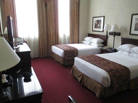 Drury Inn & Suites New Orleans: Room