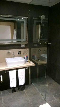 Atton Bogota 93: baño 606c