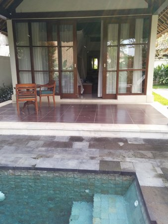 Pertiwi Resort & Spa: Veranda/entrance of Deluxe Pool Villa