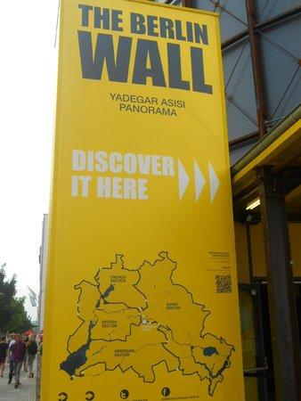 Checkpoint Charlie: Museu sobre o muro de Berlim