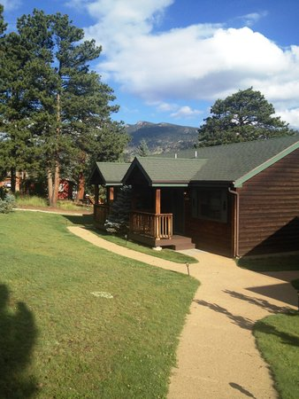 Mountain Shadows Resort: Our Cabin #8