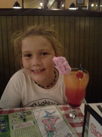East Side Mario's: Shirley Temple