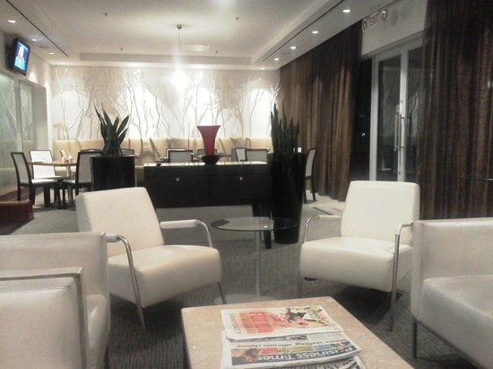 Crowne Plaza Johannesburg - The Rosebank : Dining lounge