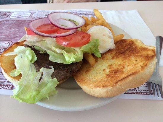 Munroe Place Restaurant: Hamburger