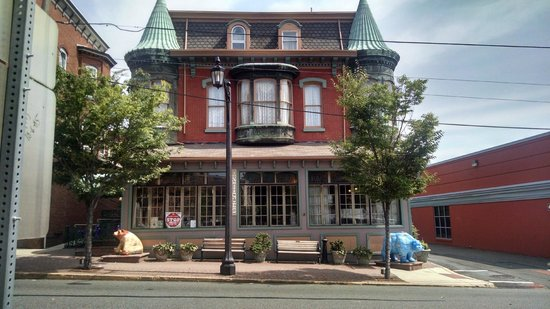 The Twin Turrets Inn: From across the street